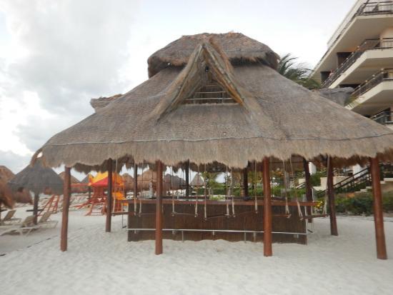 Has beautiful Swinger hotel cancun