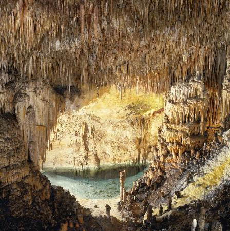 Coves del Drac (Drachenhöhlen): Pequeña playa