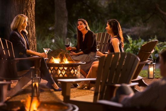 TRIO Restaurant: Backyard at the Four