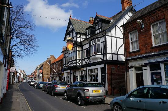 Queens Head, Hedon. taken 30-3-2015