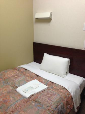 Hotel Econo Nagoya Sakae: ベッド