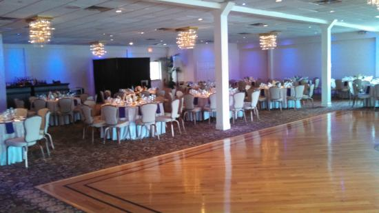 Crystal Point Inn: Reception Room and Dance Floor