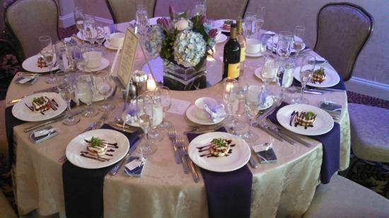 Crystal Point Inn: Table Setup