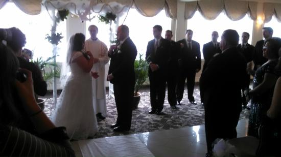Crystal Point Inn: Wedding Room