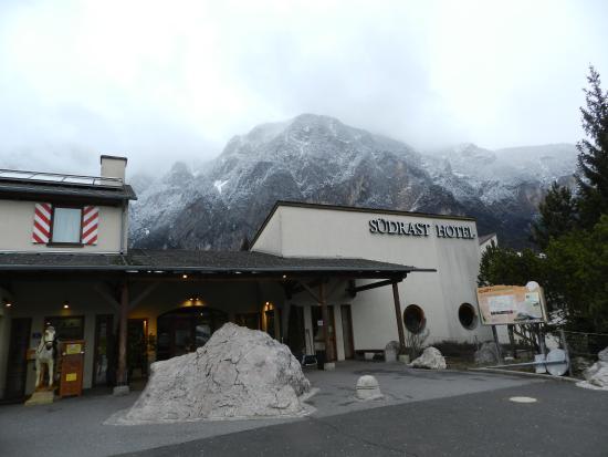 SÜDRAST - DREILÄNDERECKE: El restaurante con los Dolomitas de fondo
