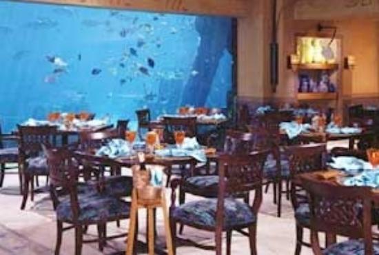 Atlantis Paradise Island Mama Loo S Restaurant