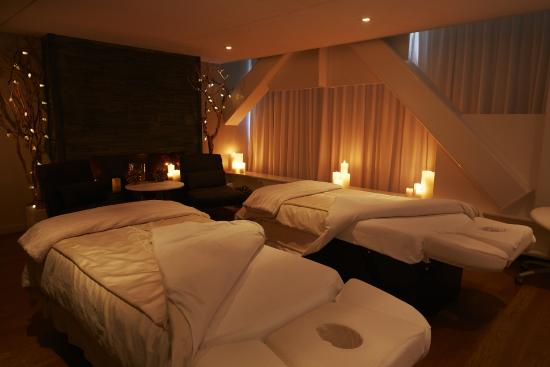 Couples suite at Sante Spa at Hotel Le Germain