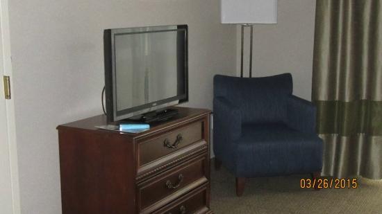 Comfort Inn & Suites South Burlington: TV
