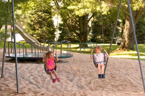 Sierra Sands Family Lodge: Park - Playground