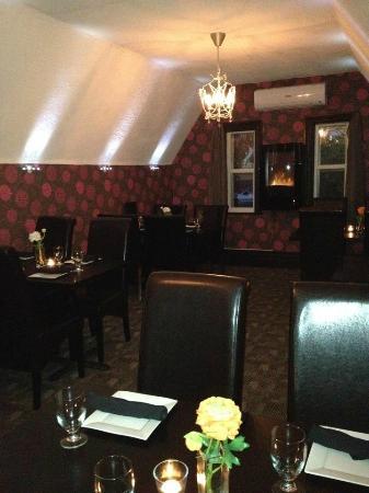 Main Street Cellar: Upstairs dinning room