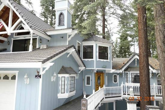 Yosemite's Scenic Wonders Vacation Rentals : outside view