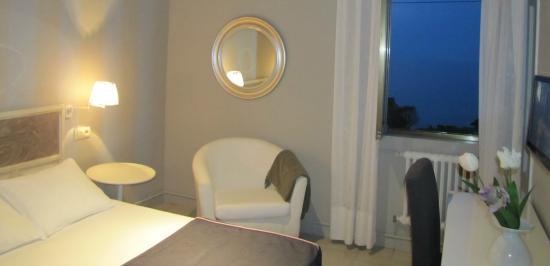 Migal Hotel Restaurant: Habitación individual con vistas