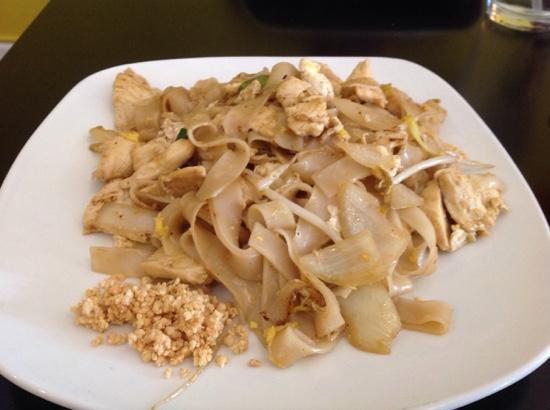 Bow Thai: House Noodles with Chicken