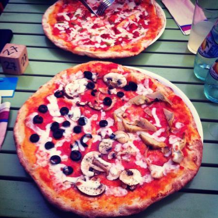 Pinsa's Restaurant: Veggie Pizza