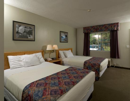 Sierra Sands Family Lodge: Deluxe Room