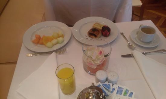 Hotel Miguel Angel by BlueBay: desayuno