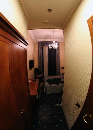 Vatican Garden Inn: Room