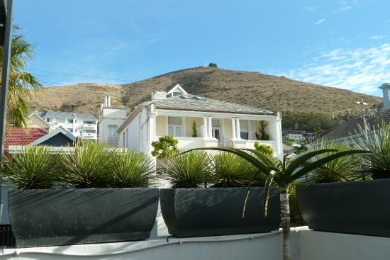 Dysart Boutique Hotel: Blick auf den Signal Hill von der Honeymoon Suite