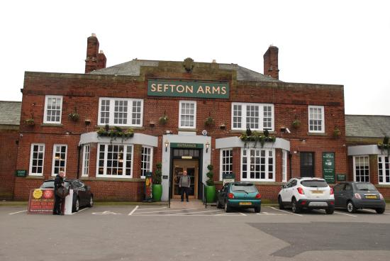 ‪Sefton Arms‬