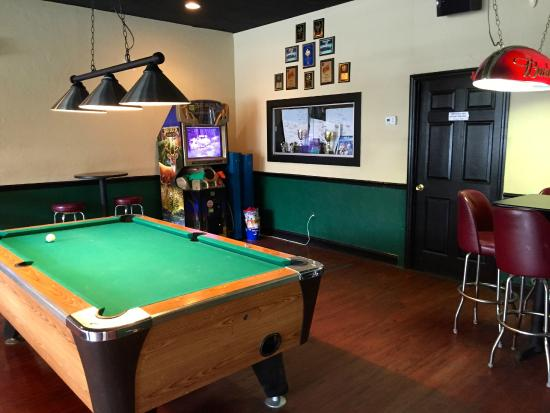 Pool Room At Manhattans Bar And Grill Picture Of Manhattans Bar - Manhattan pool table