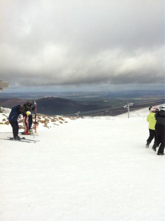 Muckrach Country House Hotel: Skiing whilst on our stay