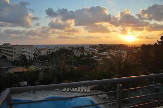 Paphos Gardens Holiday Resort: View from room (afternoon)