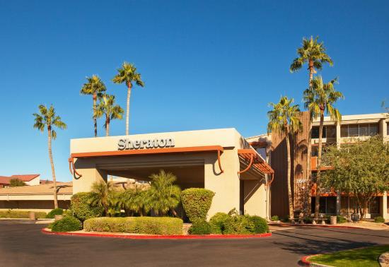 Sheraton Phoenix Airport Hotel Tempe: Exterior Daytime