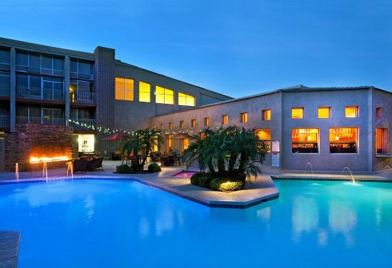 Sheraton Phoenix Airport Hotel Tempe Pool Area
