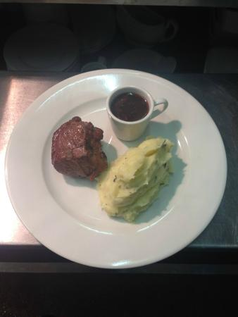 The Red Lion: 8 oz lamb rump with olive oil and rosemary mash and a port and redcurrant jus with fresh vegetab