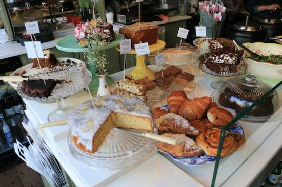 Juliet's Cafe: Front area
