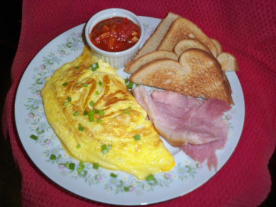 Port Allegany, เพนซิลเวเนีย: Cheese omlete made with local farm fresh eggs
