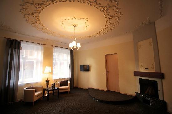 Dreamfill Hotel & Apartments
