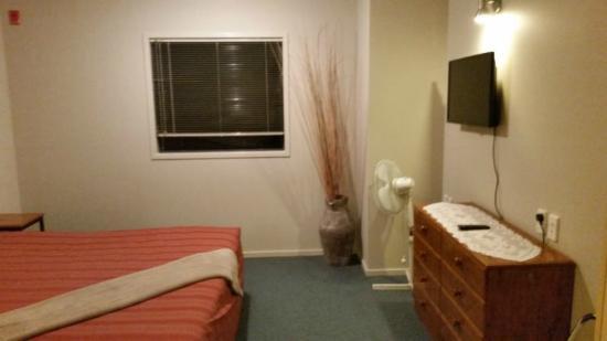Bella Vista Motel Hamilton: large bedroom