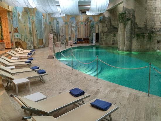 Hilton Sorrento Palace: Indoor pool.