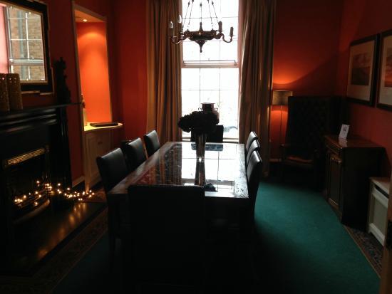Pembroke Townhouse: salon