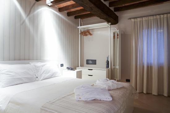La camera da letto foto di ca 39 dei sogni levizzano for Camera dei sogni