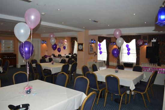 Yelf's Hotel: Function room set up ready