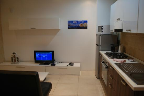 Valletta Merisi Suites : Kitchen