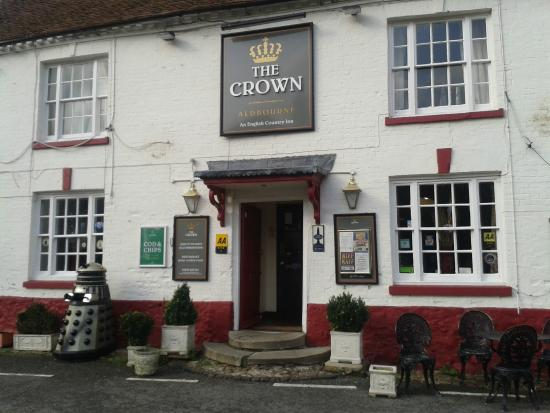 The Crown Aldbourne: front of pub