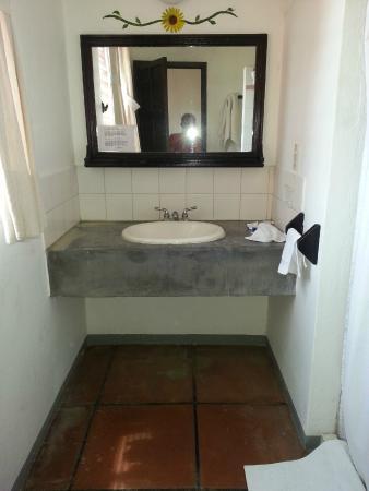 Hotel Flor de Maria: Bathroom