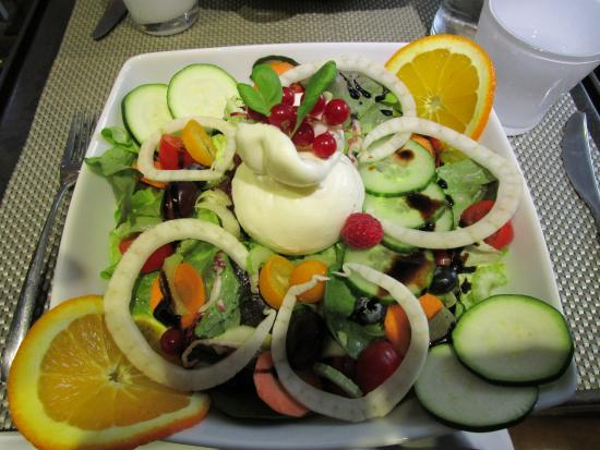 Lasagna Tiramisù: Auch den Haussalat probieren!