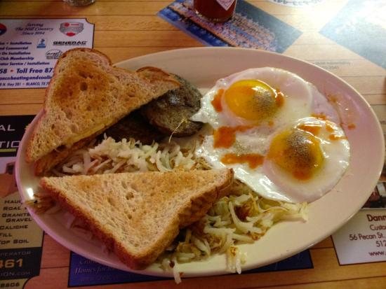 Blanco Bowling Club Café: 2 eggs, 2 large sausage patties, good pile of hash browns, and 2 pieces of toast.