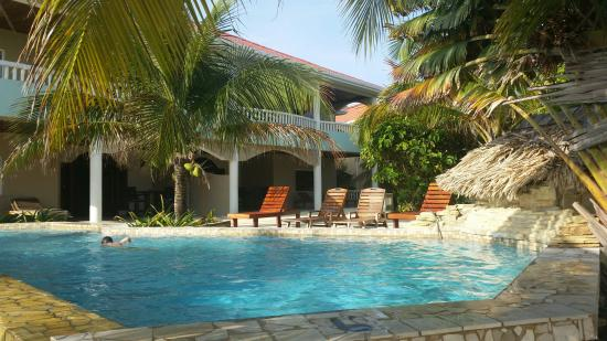 Los Porticos Villas: View from the Beach at the villa an private pool