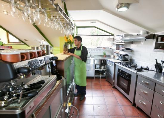 B&B-Hotel Pension Alemana: Kitchen