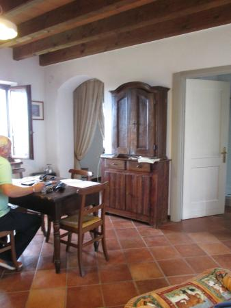 Cascina delle Rose : Kitchen, dining, living and bed/bath suite. Rustic and charming!