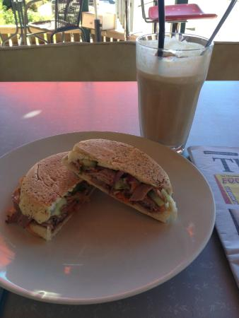 the retro vibe: My Focaccia and perfect Iced Coffee