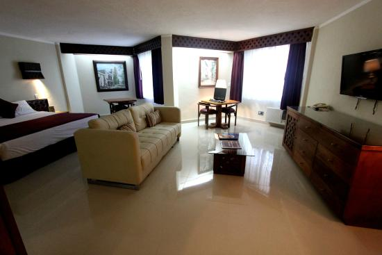 Hotel plaza kokai 39 7 2 prices reviews cancun for Hotel casa de los azulejos tripadvisor