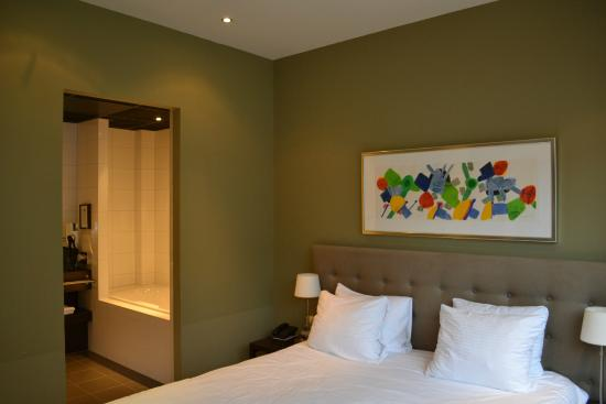 Kamer met open badkamer picture of boutique hotel lumiere