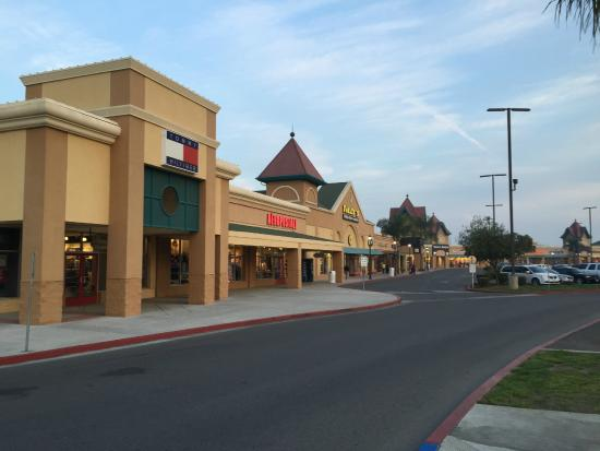 90ec7a9cca319 Tulare Outlet Center - Picture of Tulare Outlet Center