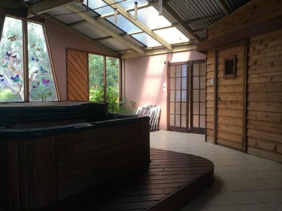 Boranup Forest Retreat: Lodge Spa & Sauna Room